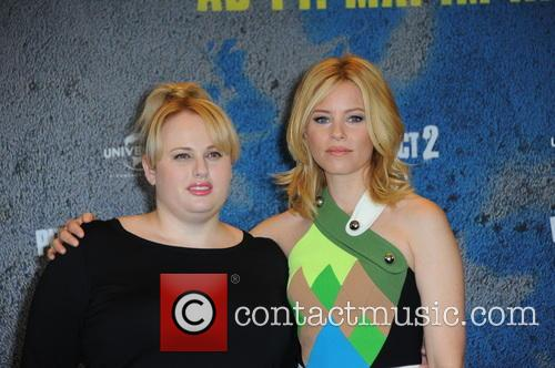 The cast of 'Pitch Perfect 2' promoting their...