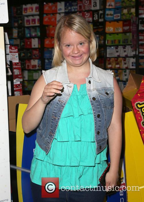 Lauren Potter 4