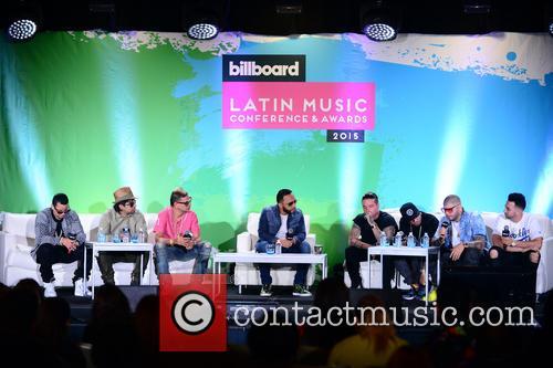 J Alvarez, Plan B, Maldy, Alex Sensation, J Balvin, Nicky Jam, Farruko and Justin Quiles 9
