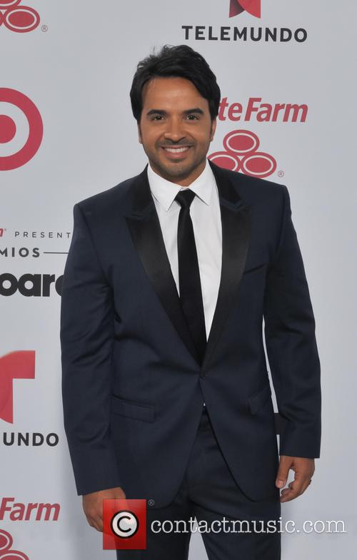 Luis Fonsi at the Latin Music Awards