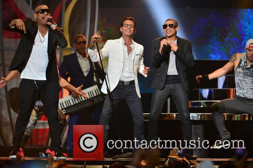 Marc Anthony and Gente De Zona 11