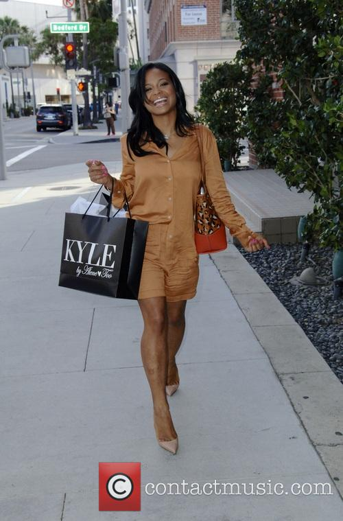 Christina Milian does some shopping at Kyle Boutique