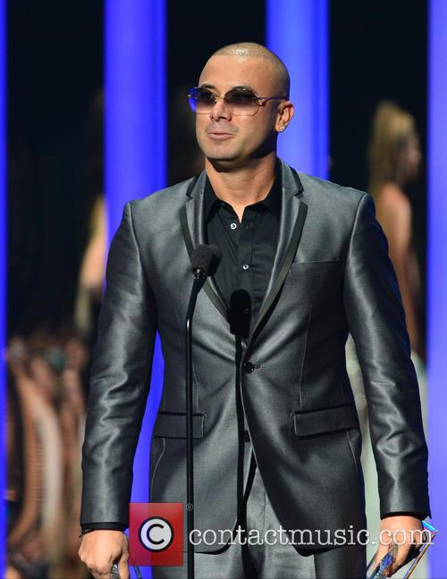 Billboard and Wisin 6