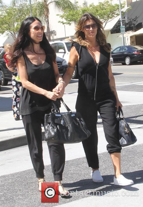 Elisabetta Canalis has lunch a friend at Il...
