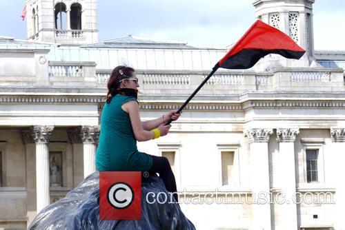 Member and Trafalgar Square 2