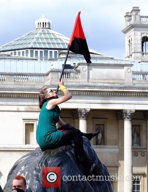 Member and Trafalgar Square 3