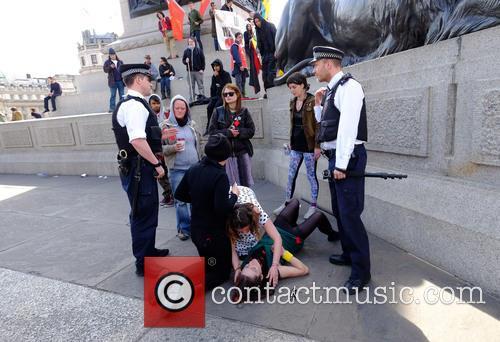 Member and Trafalgar Square 4