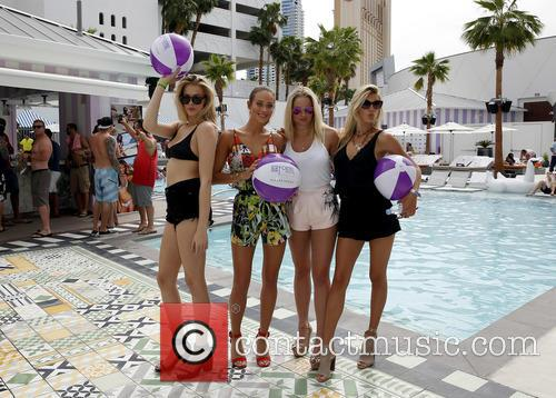 Sports Illustrated Swimsuit models take over the Foxtail...