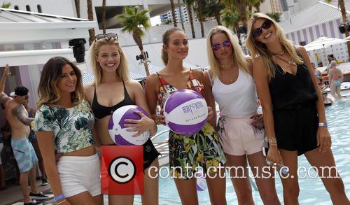Anastasia Ashley, Hailey Clauson, Hannah Davis, Genevieve Morton and Kelly Rohrbach 2