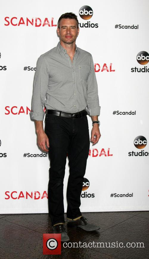 Scott Foley 8