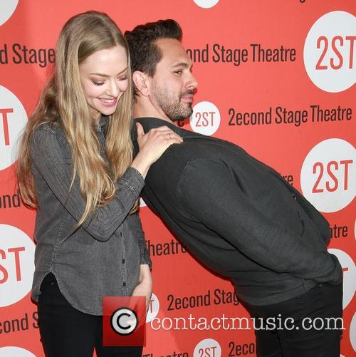 Amanda Seyfried and Thomas Sadoski 2