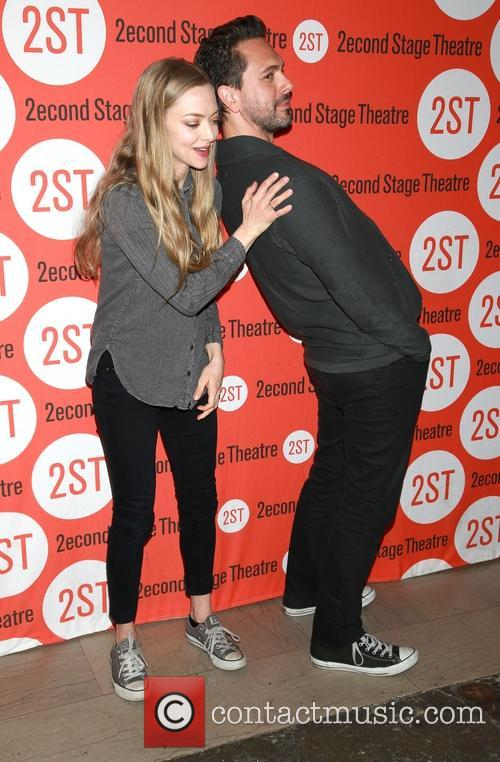 Amanda Seyfried and Thomas Sadoski 3