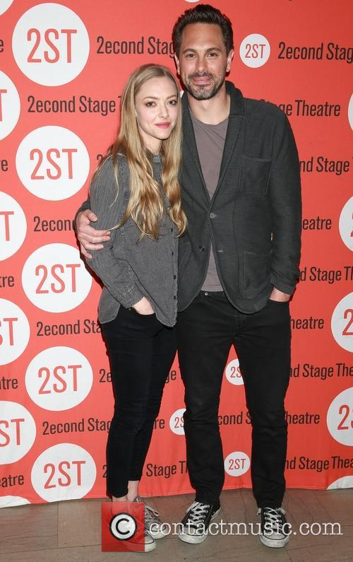 Amanda Seyfried and Thomas Sadoski 6