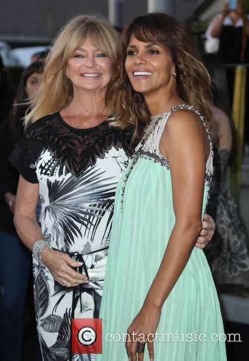 Goldie Hawn and Halle Berry 4