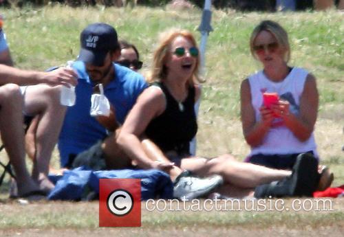 Britney Spears, Charlie Ebersol and Jamie Lynn Spears 7