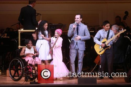 Rob Mcclure and Children Of Ronald Mcdonald House New York 5