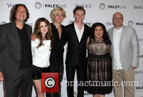 Co-creator/producer Heath Seifert, Laura Morano, Ross Lynch, Calum Worthy, Raini Rodriguez and Co-creator/producer Kevin Kopelow 2