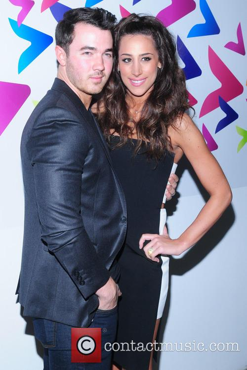 Kevin Jonas and Dani Jonas 1