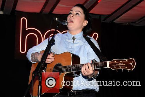 Lucy Spraggan Signing and Performance
