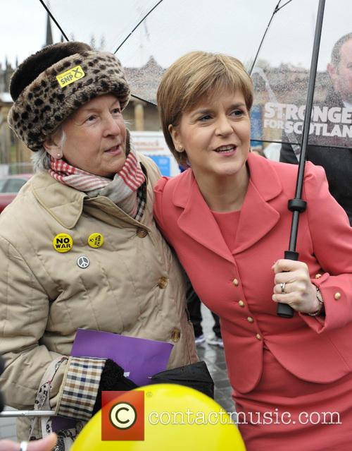 Nicola Sturgeon and Atmosphere 6