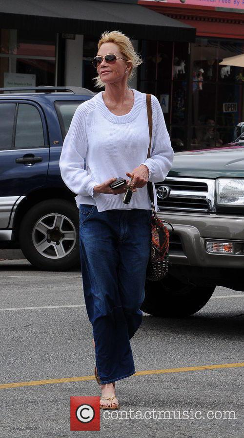 Melanie Griffith at Bellacures nail salon