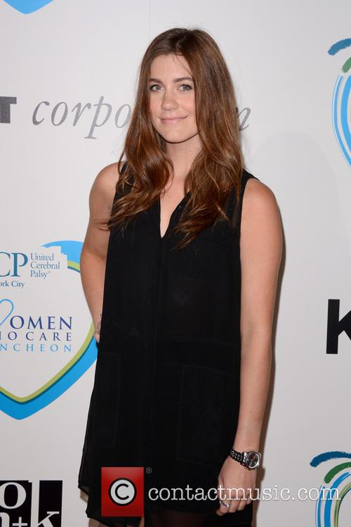 Laura Dreyfuss 3