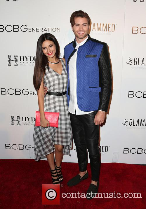 Victoria Justice and Pierson Fode 4