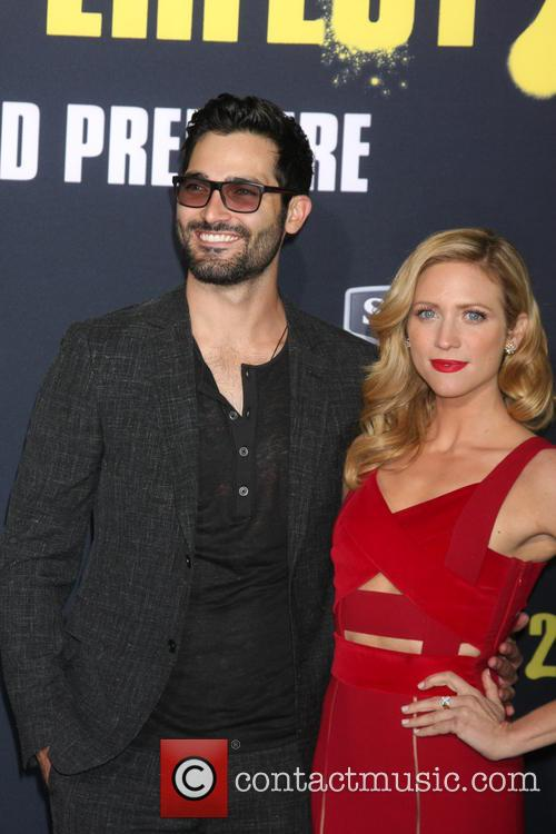 Tyler Hoechlin and Brittany Snow 2