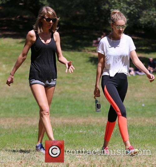 Taylor Swift and Gigi Hadid 5