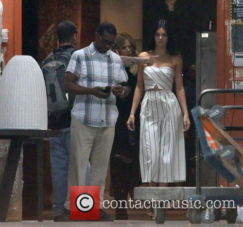 Khole Kardashian, Kendall Jenner and Kris Jenner 10