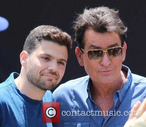 Charlie Sheen and Jerry Ferrara 4
