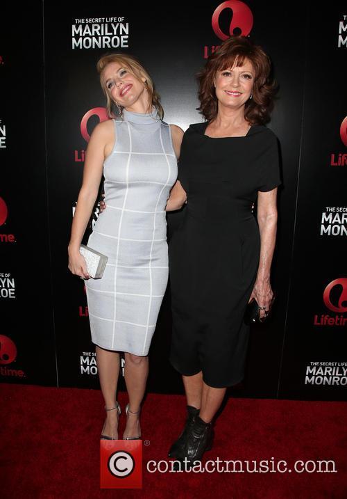 Kelli Garner and Susan Sarandon 10