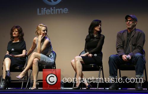 Susan Sarandon, Kelli Garner and Keri Selig 5