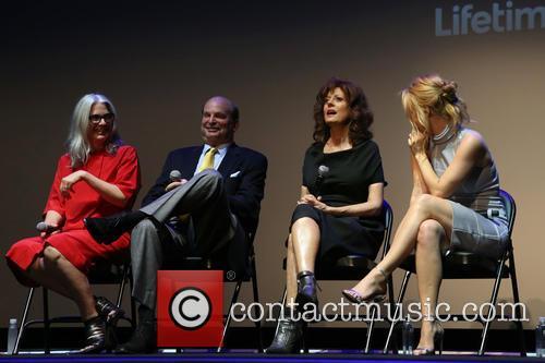 Laurie Collyer, Susan Sarandon and Kelli Garner 3