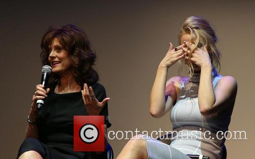 Susan Sarandon and Kelli Garner 7