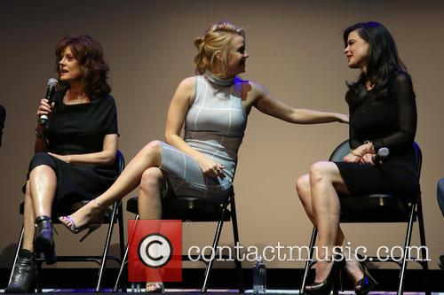 Susan Sarandon, Kelli Garner and Keri Selig 8