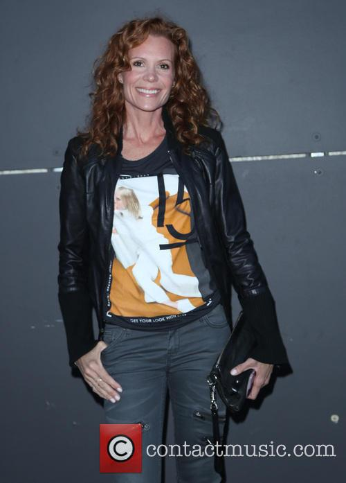 Robyn Lively 4
