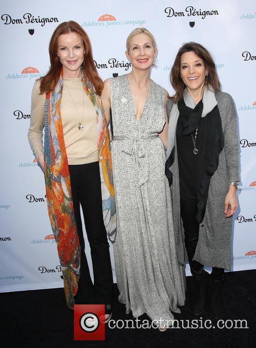 Marcia Cross, Kelly Rutherford and Marianne Williamson 4