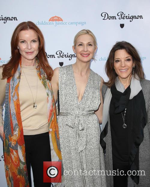 Marcia Cross, Kelly Rutherford and Marianne Williamson 6