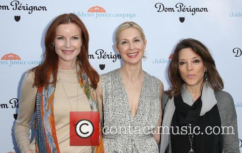 Marcia Cross, Kelly Rutherford and Marianne Williamson 7