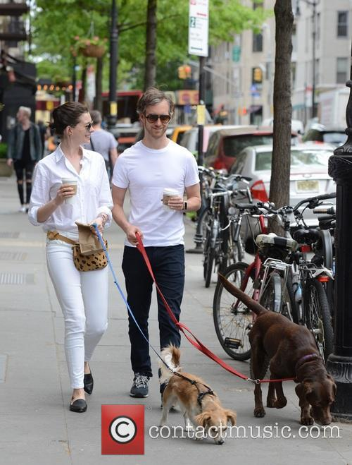 Anne Hathaway and Adam Shulman 10