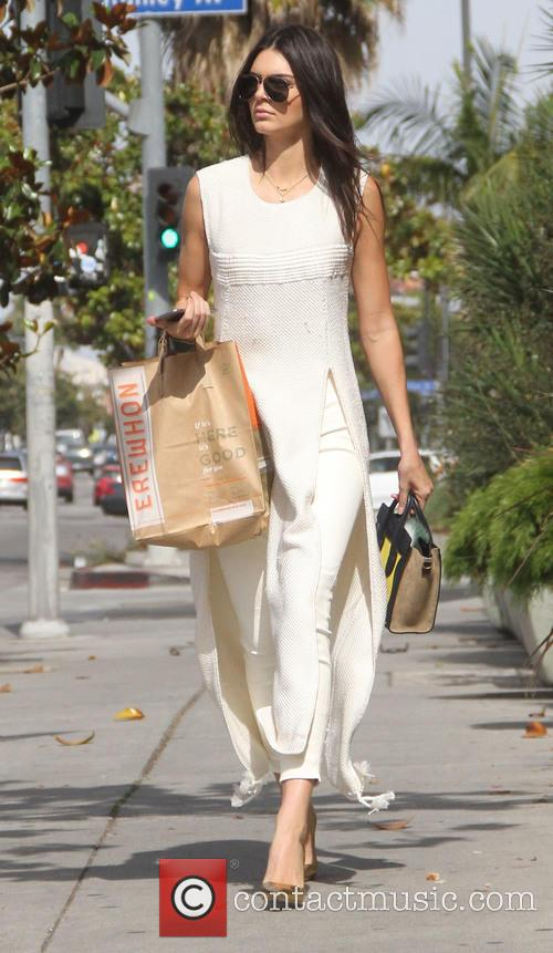 Kendall Jenner grabs lunch at Erewhon