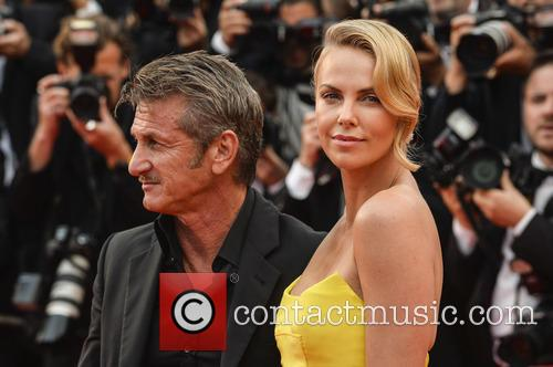Sean Penn and Charlize Theron 4