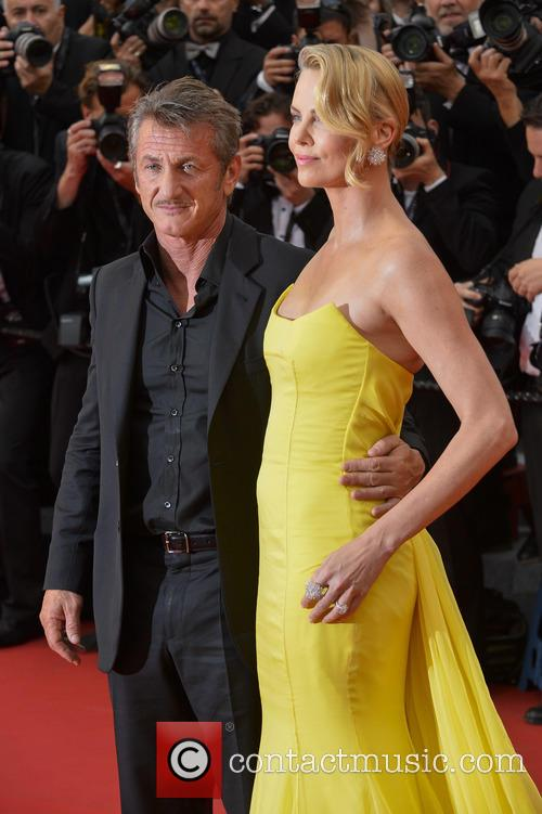 Sean Penn and Charlize Theron 5