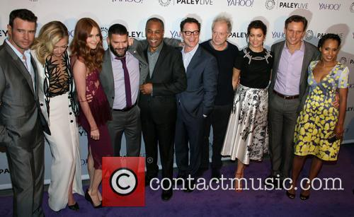 The Cast Of Scandal, L To R, Scott Foley, Portia De Rossi, Darby Stanchfield, Guillermo Diaz, Joe Morton, Joshua Malina, Jeff Perry, Bellamy Young, Tony Goldwyn and Kerry Washington 1