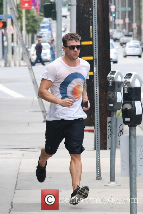Ryan Phillippe 8