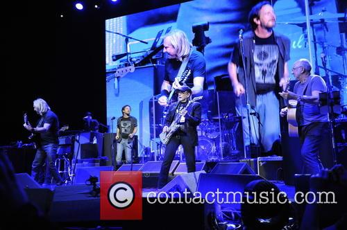 Joe Walsh, Pete Townshend, Eddie Vedder and Rick Nielsen 6