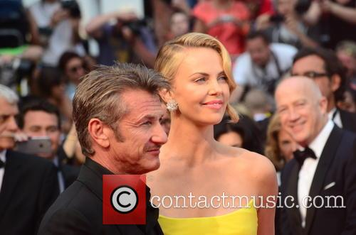 Sean Penn and Charlize Theron 6