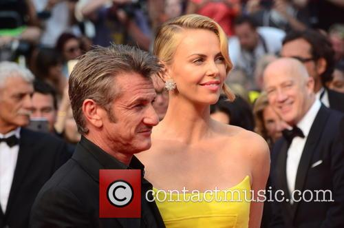 Sean Penn and Charlize Theron 7