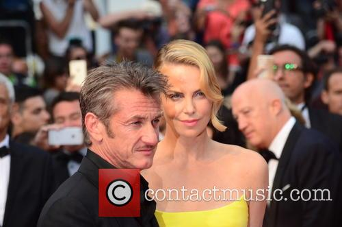 Sean Penn and Charlize Theron 8